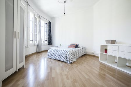Private room for rent from 24 Jul 2019 (Carrer del Consell de Cent, Barcelona)