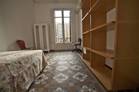 Private room for rent from 01 Jan 2020 (Carrer de Balmes, Barcelona)