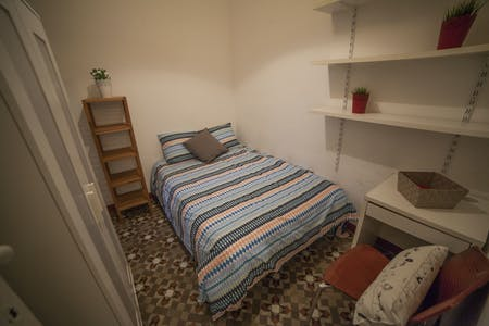 Private room for rent from 12 Sep 2020 (Carrer de Balmes, Barcelona)