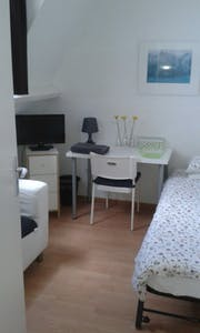 Private room for rent from 01 Aug 2019 (Hendrik van Deventerstraat, The Hague)