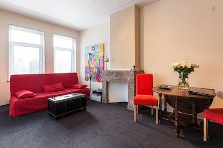 Room for rent from 31 Jul 2018  (Van Alkemadelaan, The Hague)