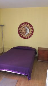 Private room for rent from 02 Aug 2020 (Avenida de los Toreros, Madrid)