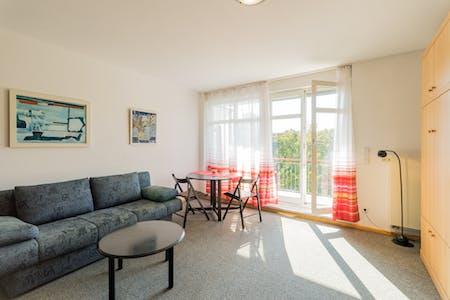 Appartement te huur vanaf 01 Oct 2019 (Hildegard-Jadamowitz-Straße, Berlin)
