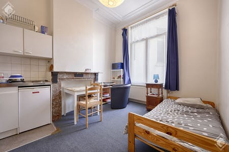 Private room for rent from 01 Feb 2020 (Rue Luther, Brussels)