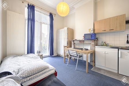 Private room for rent from 01 Apr 2020 (Rue Luther, Brussels)