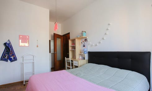 Habitación de alquiler desde 01 abr 2018  (Alzaia Naviglio Pavese, Milano)