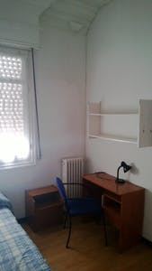 Private room for rent from 01 Jul 2019 (Gran Vía, Madrid)