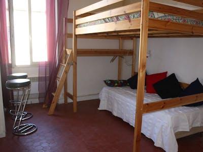 Privatzimmer zur Miete von 01 Apr 2020 (Avenue de Sainte-Catherine, Avignon)