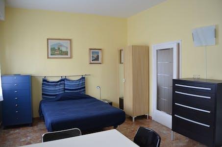 Chambre à partir du 01 sept. 2018 (Via di Novoli, Florence)