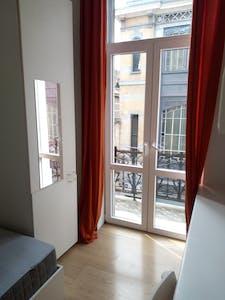 Zimmer zur Miete von 01 Aug. 2018  (Rue de la Constitution, Schaerbeek)