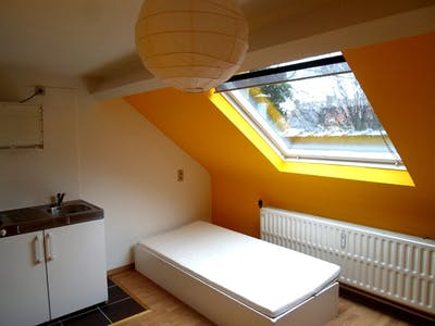 Stanza privata in affitto a partire dal 01 Jul 2019 (Rue de la Constitution, Schaerbeek)