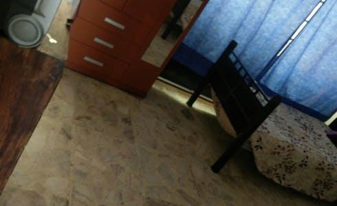 Room for rent from 15 Dec 2017  (Calle Gabriel Ramos Millán, Guadalajara)
