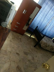 Room for rent from 17 Aug 2017  (Calle Gabriel Ramos Millán, Guadalajara)