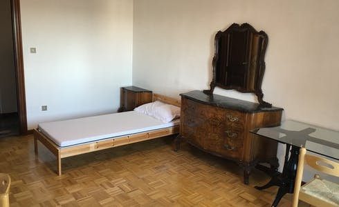 Room for rent from 01 May 2018 (Via San Donato, Bologna)