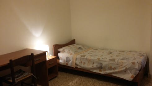 Private room for rent from 17 Aug 2019 (Via Luca Pacioli, Pisa)
