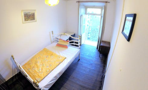 Room for rent from 01 Jul 2018 (Rua Morais Soares, Lisbon)