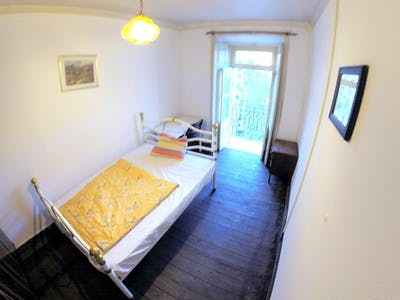 Private room for rent from 01 Feb 2019 (Rua Morais Soares, Lisbon)