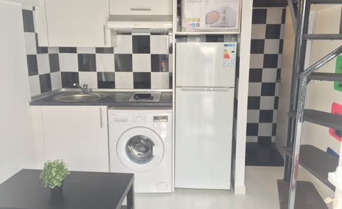 Studio for rent from 15 feb. 2018  (Calle del Capitán Blanco Argibay, Madrid)