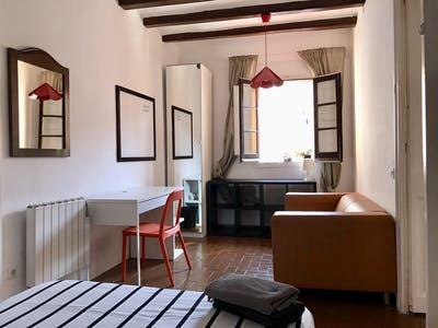 Private room for rent from 01 May 2019 (Passeig de Sant Joan, Barcelona)