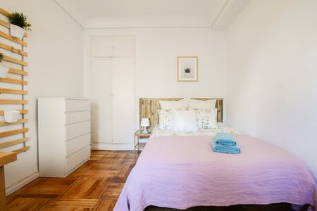 Private room for rent from 01 Apr 2019 (Calle de Ayala, Madrid)