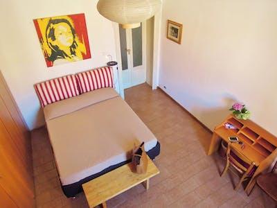 Private room for rent from 01 Apr 2020 (Via degli Imbriani, Milan)