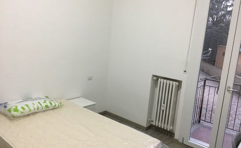 Room for rent from 01 May 2018 (Via Gaspare Nadi, Bologna)