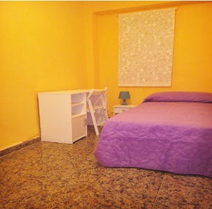 Private room for rent from 23 Apr 2019 (Calle Arquitecto Gilabert, Valencia)