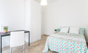 Room for rent from 30 août 2018  (Viale San Gimignano, Milano)