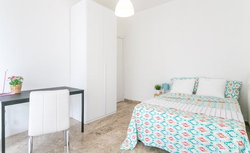 Room for rent from 30 Aug 2018  (Viale San Gimignano, Milano)