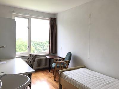 Privatzimmer zur Miete von 01 Aug 2020 (Blondeelstraat, Rotterdam)