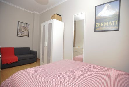 Private room for rent from 30 Sep 2019 (Carrer de les Garrigues, Valencia)