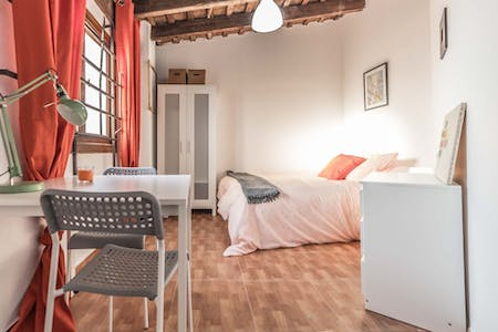 Private room for rent from 01 Jun 2020 (Carrer de Castelló, Valencia)