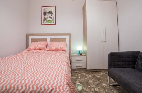 Room for rent from 01 Apr 2018  (Carrer dels Centelles, Valencia)