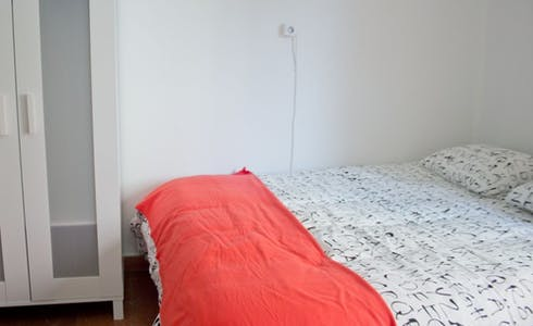 Room for rent from 31 Aug 2018 (Calle del Doctor Zamenhof, Valencia)