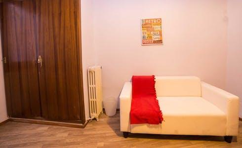 Room for rent from 31 Aug 2018 (Carrer de Vilaragut, Valencia)