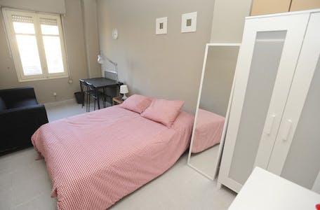 Room for rent from 31 Aug 2018 (Carrer del Naturalista Rafael Cisternas, Valencia)