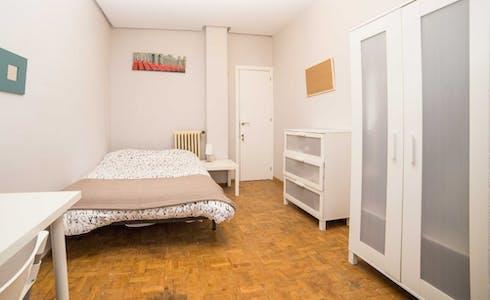Room for rent from 30 Jun 2018 (Carrer de Vilaragut, Valencia)