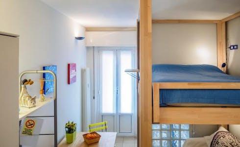 Studio for rent from 01 Apr 2018  (Via Giacomo Zanella, Milano)