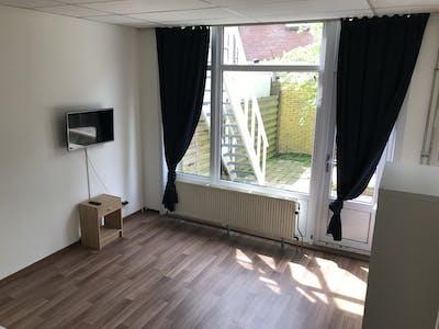 Kamer te huur vanaf 21 mei 2018 (Randweg, Rotterdam)