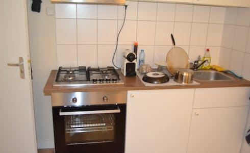 单间公寓租从01 7月 2018 (Randweg, Rotterdam)