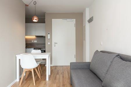 Appartement te huur vanaf 01 Aug 2019 (Köpenicker Straße, Berlin)