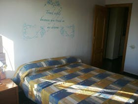 Private room for rent from 01 Mar 2020 (Carrer de Campoamor, Valencia)
