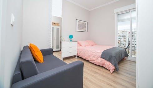 Room for rent from 19 Apr 2018 (Carrer del Comte d'Altea, Valencia)