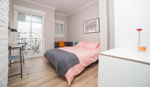 Room for rent from 30 Jun 2018 (Carrer del Comte d'Altea, Valencia)
