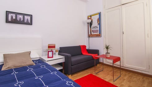 Private room for rent from 15 Jul 2020 (Carrer de Dénia, Valencia)