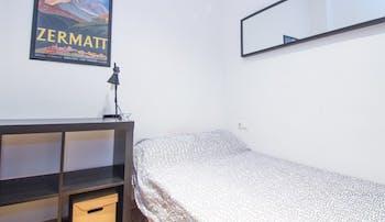 Stanza privata in affitto a partire dal 01 feb 2019 (Carrer de Joaquín Costa, Valencia)