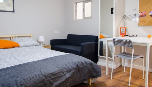 Room for rent from 20 Mar 2018 (Carrer de Joaquín Costa, Valencia)