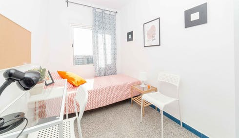 Room for rent from 19 Jan 2018 (Passatge Doctor Bartual Moret, Valencia)