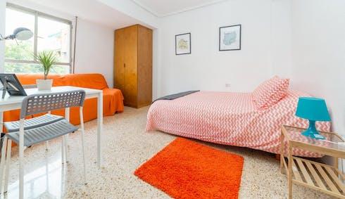 Room for rent from 18 Mar 2018 (Calle del Poeta Mas y Ros, Valencia)