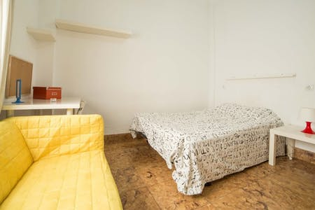 Zimmer zur Miete von 15 Juli 2018 (Carrer de Sant Vicent Màrtir, Valencia)